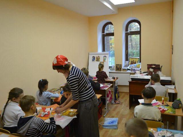 Занятия в Воскресной школе храма свт. Иова